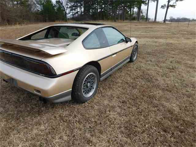 Picture of 1987 Pontiac Fiero located in Sallisaw Oklahoma - $8,500.00 Offered by  - G8Z8