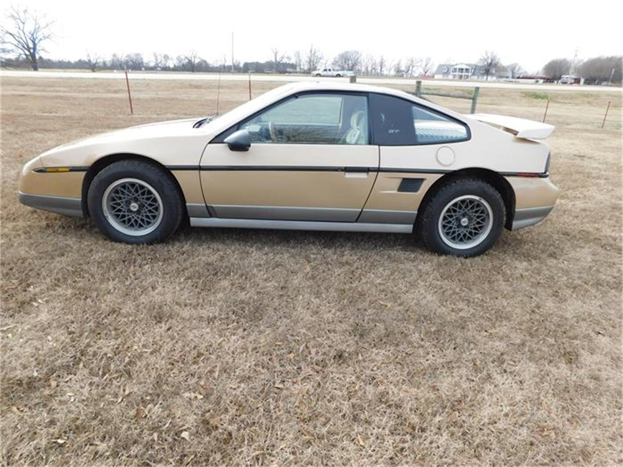 Large Picture of 1987 Fiero - $8,000.00 Offered by Classic Car Pal - G8Z8