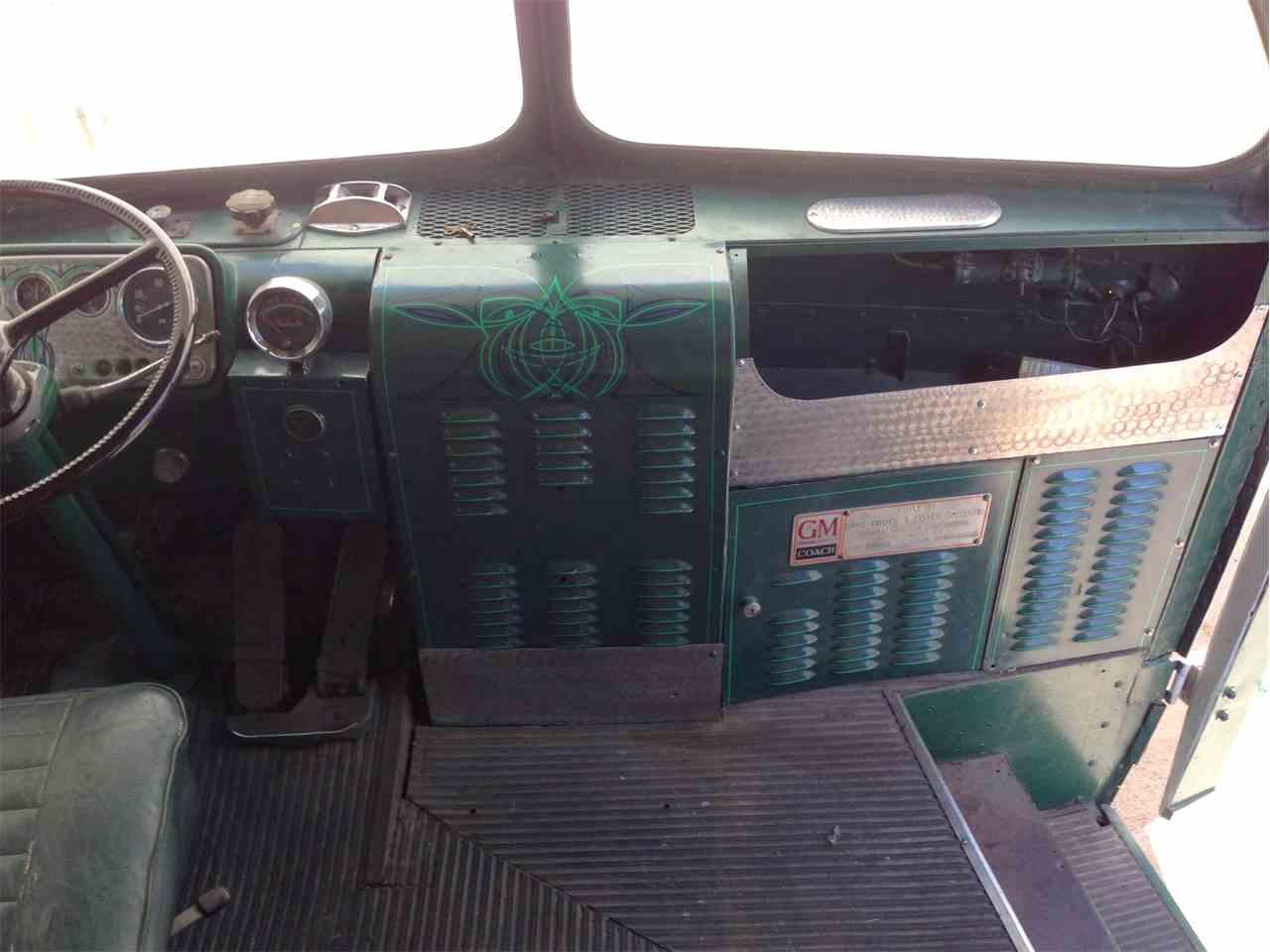Large Picture of '50 Bus located in Phoenix Arizona - G8ZA