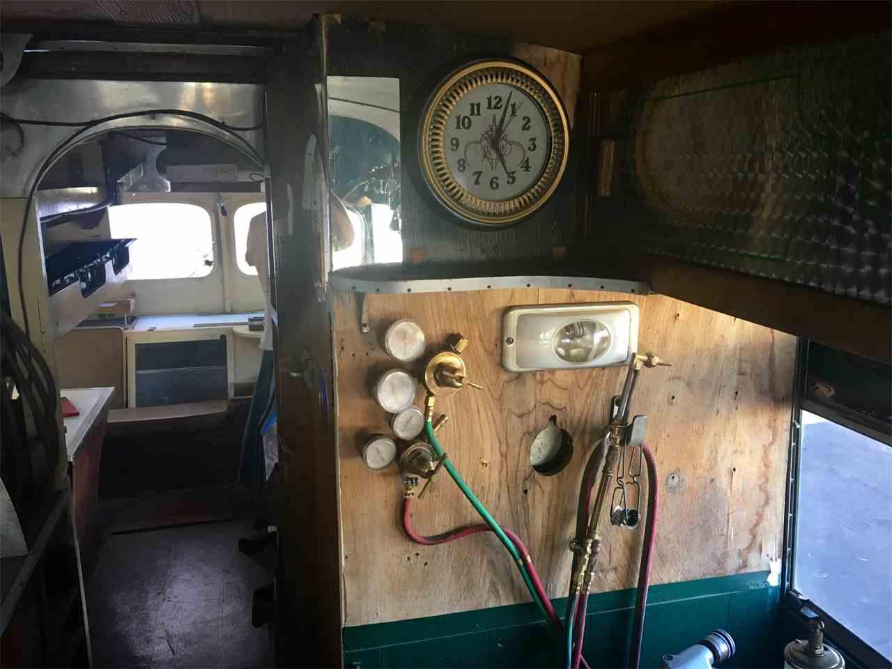 Large Picture of Classic '50 Von Dutch Bus located in Phoenix Arizona - G8ZA