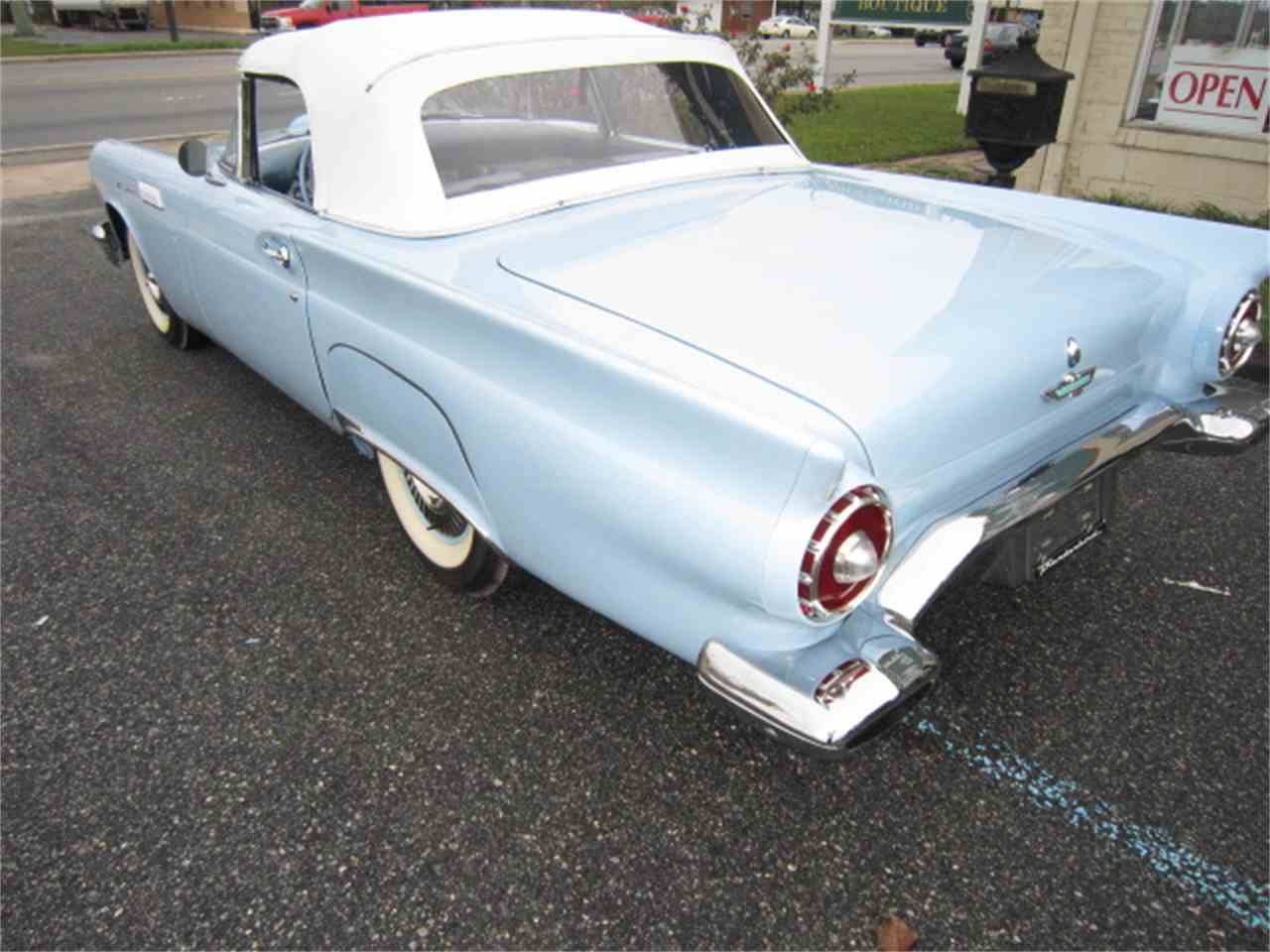 Large Picture of '57 Thunderbird - G9B2
