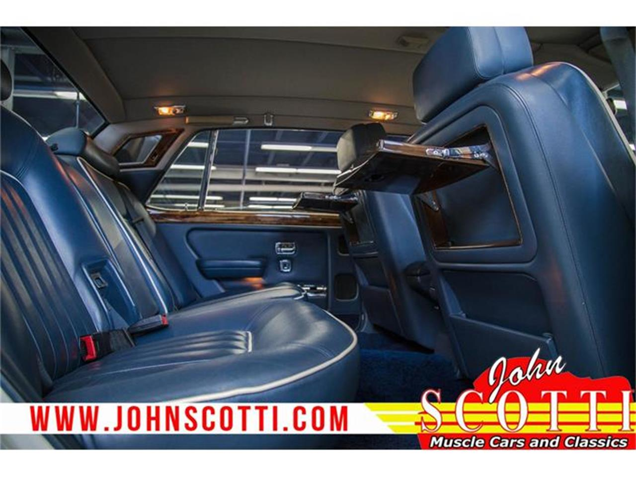 Large Picture of '90 Rolls-Royce Silver Spur II located in Quebec Offered by John Scotti Classic Cars - G9NZ