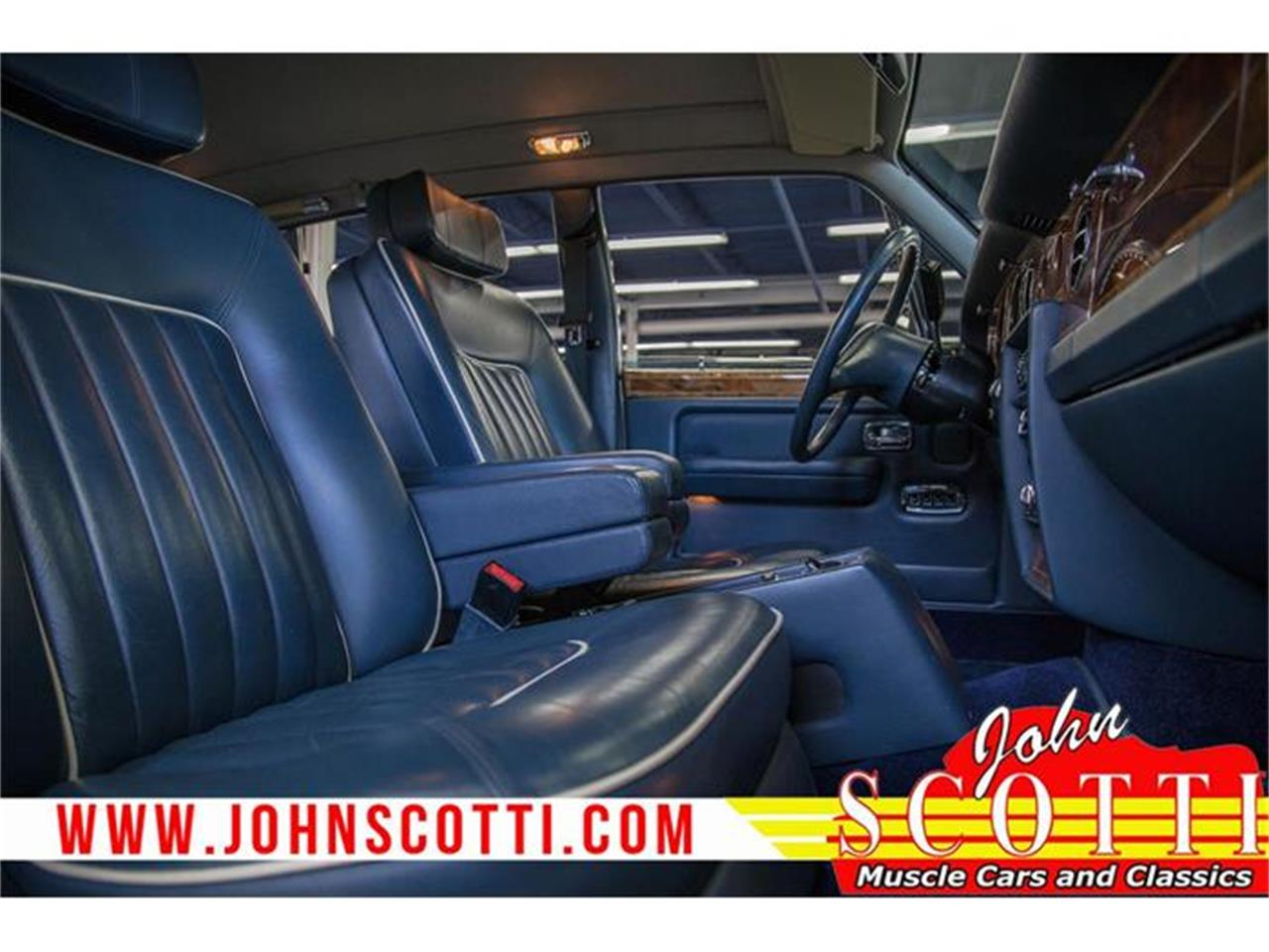 Large Picture of 1990 Rolls-Royce Silver Spur II located in Montreal Quebec Offered by John Scotti Classic Cars - G9NZ