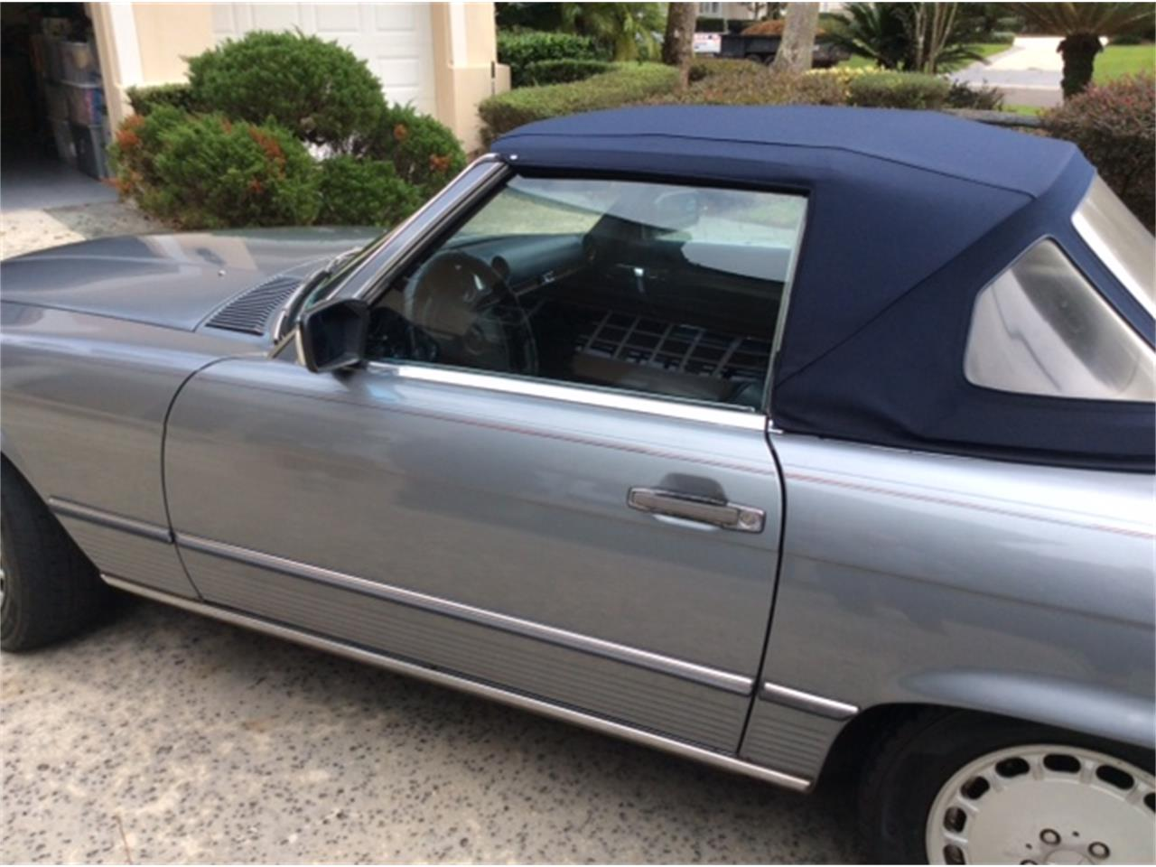 Large Picture of 1989 Mercedes-Benz 560SL located in Ponte Vedra Beach Florida - G9PN