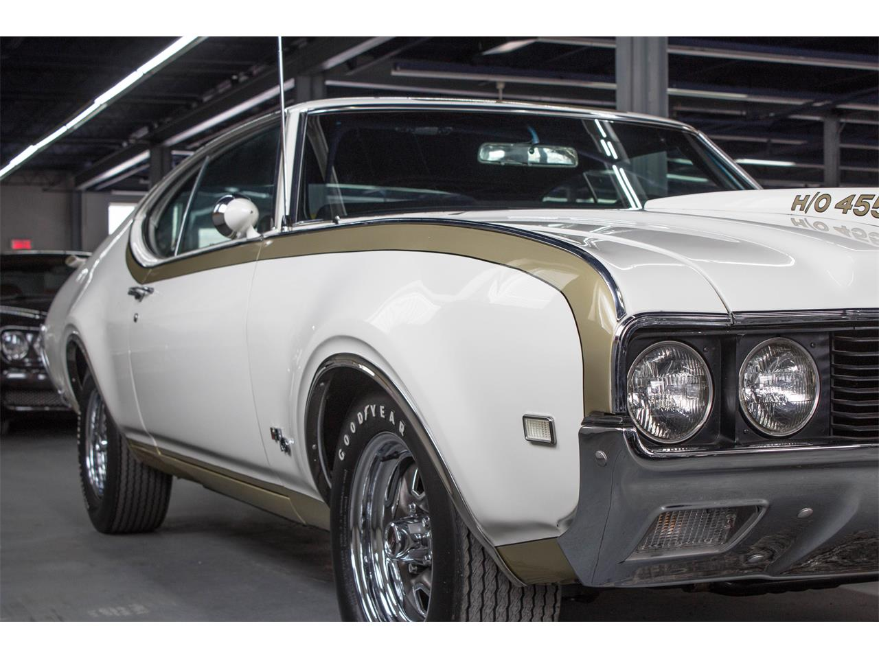 Large Picture of Classic '69 Hurst located in Montreal Quebec - GA07