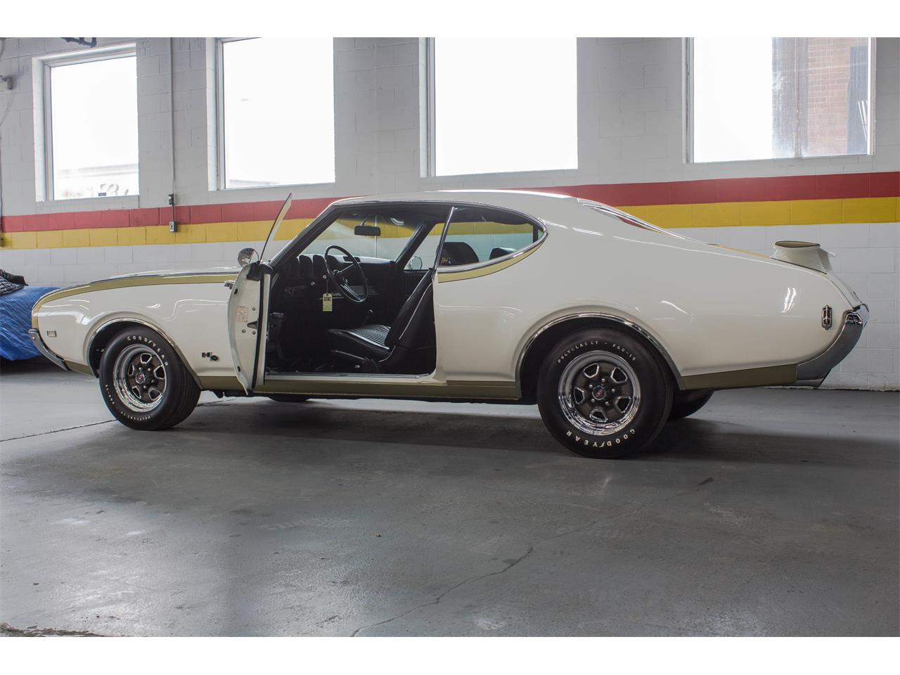 Large Picture of Classic 1969 Oldsmobile Hurst - $89,995.00 Offered by John Scotti Classic Cars - GA07