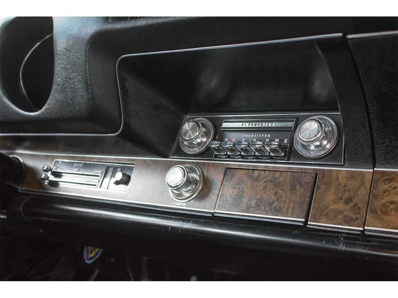 Large Picture of 1969 Oldsmobile Hurst located in Montreal Quebec - GA07