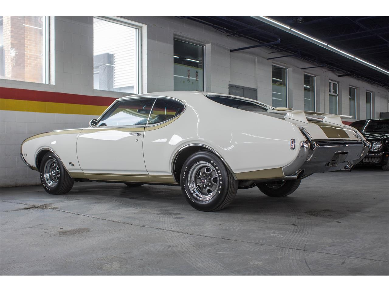 Large Picture of '69 Oldsmobile Hurst located in Montreal Quebec Offered by John Scotti Classic Cars - GA07