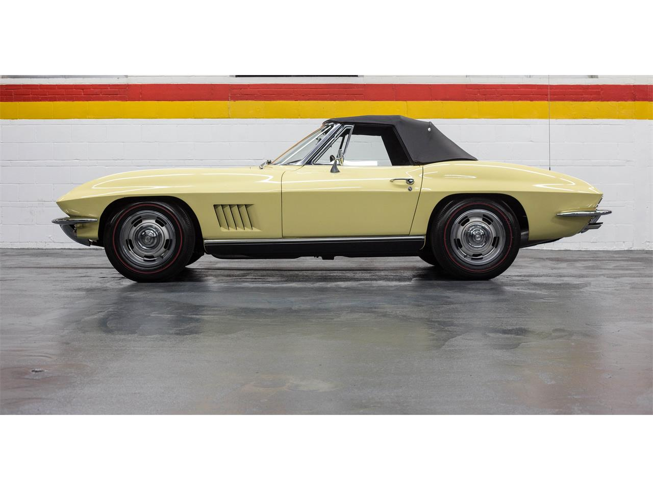 Large Picture of Classic 1967 Chevrolet Corvette located in Quebec - $79,990.00 Offered by John Scotti Classic Cars - GA0D