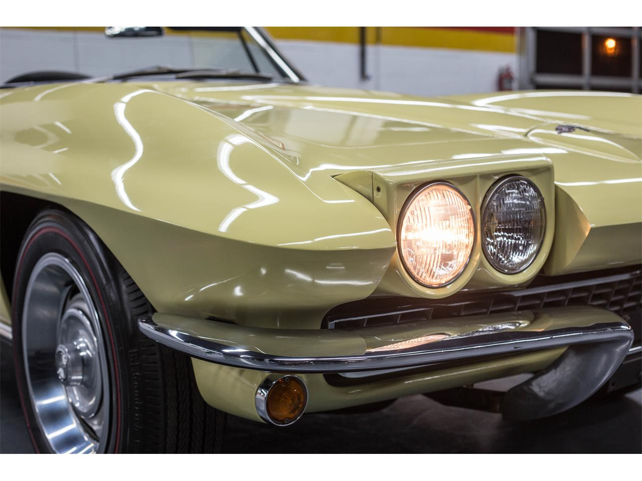 Large Picture of Classic 1967 Corvette - GA0D