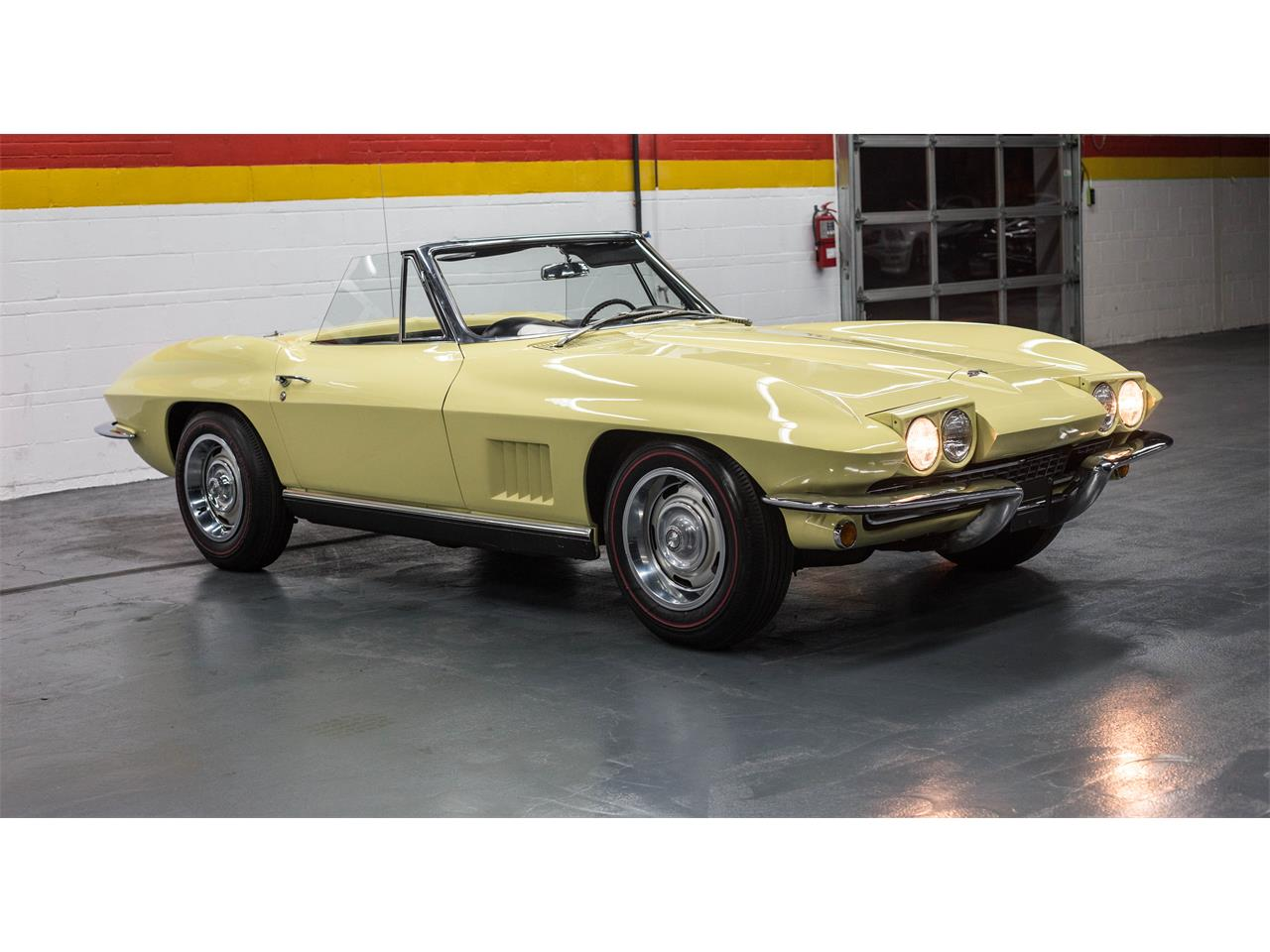 Large Picture of 1967 Corvette located in Montreal Quebec - $79,990.00 - GA0D