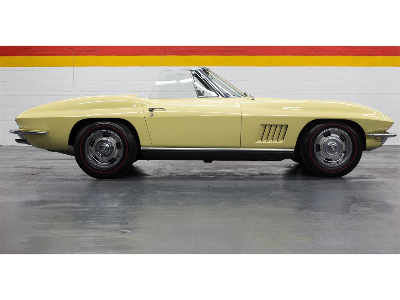 Large Picture of Classic '67 Chevrolet Corvette Offered by John Scotti Classic Cars - GA0D
