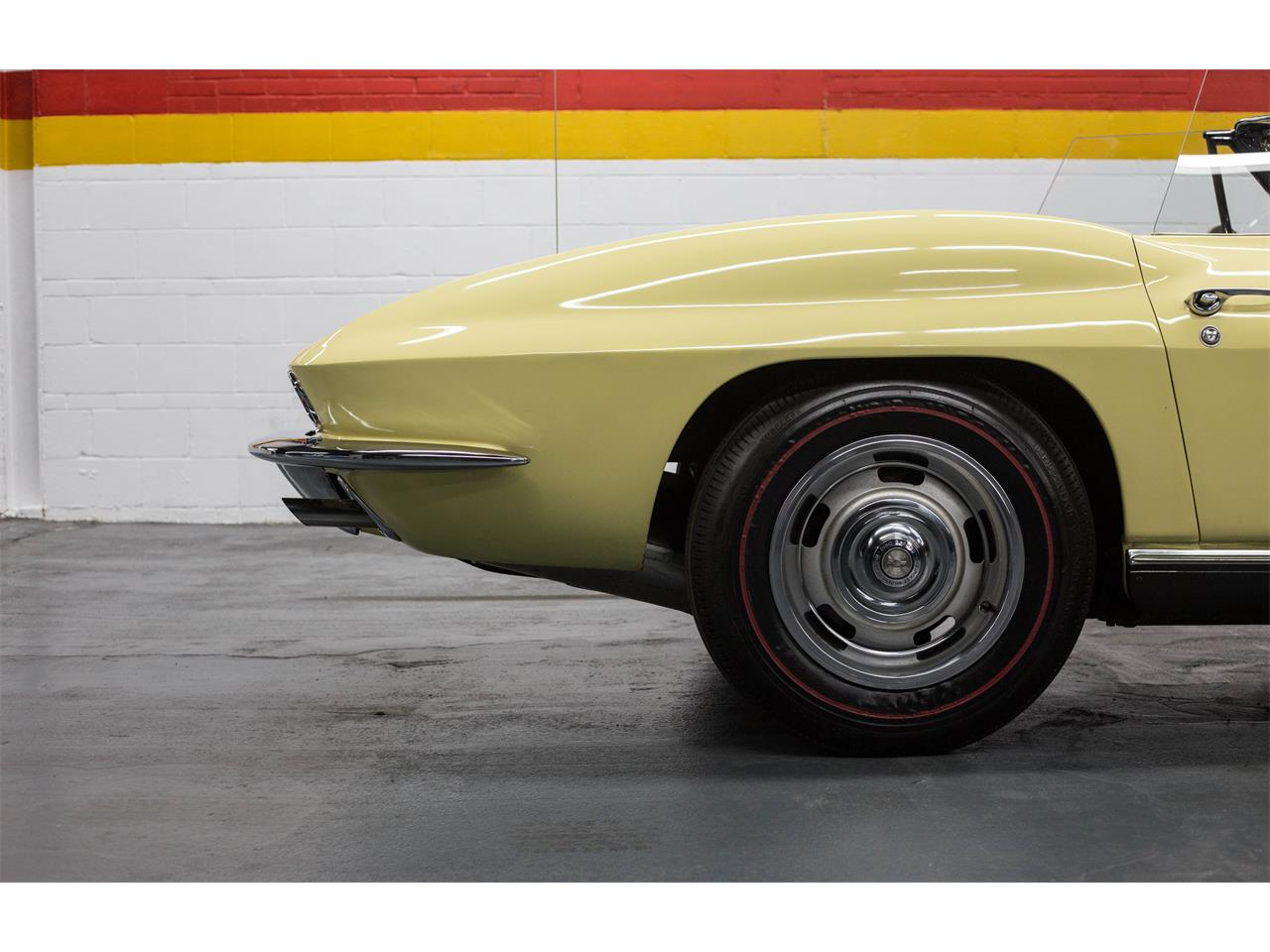 Large Picture of 1967 Chevrolet Corvette located in Montreal Quebec - $79,990.00 - GA0D