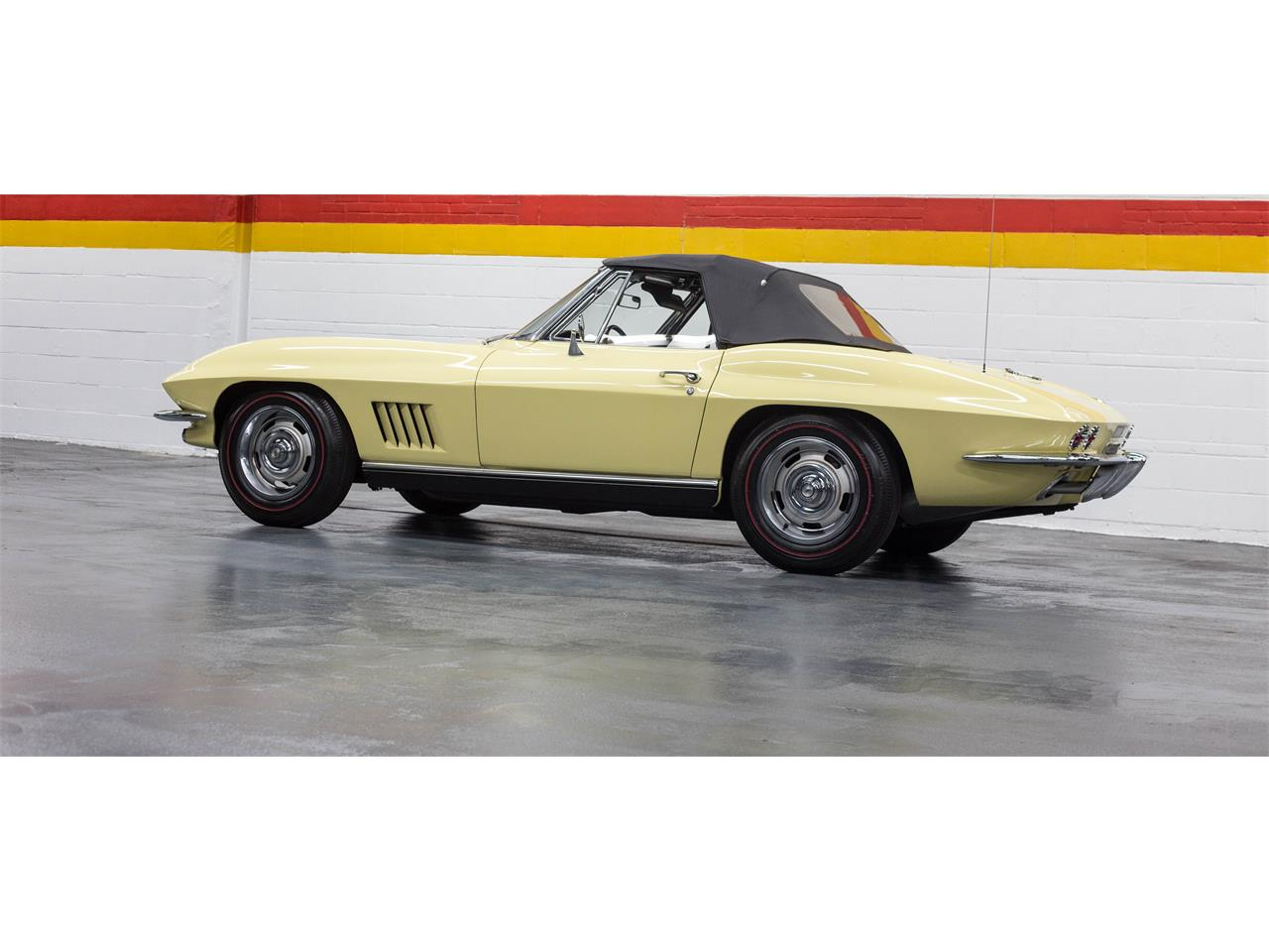 Large Picture of Classic '67 Chevrolet Corvette located in Quebec - $79,990.00 Offered by John Scotti Classic Cars - GA0D