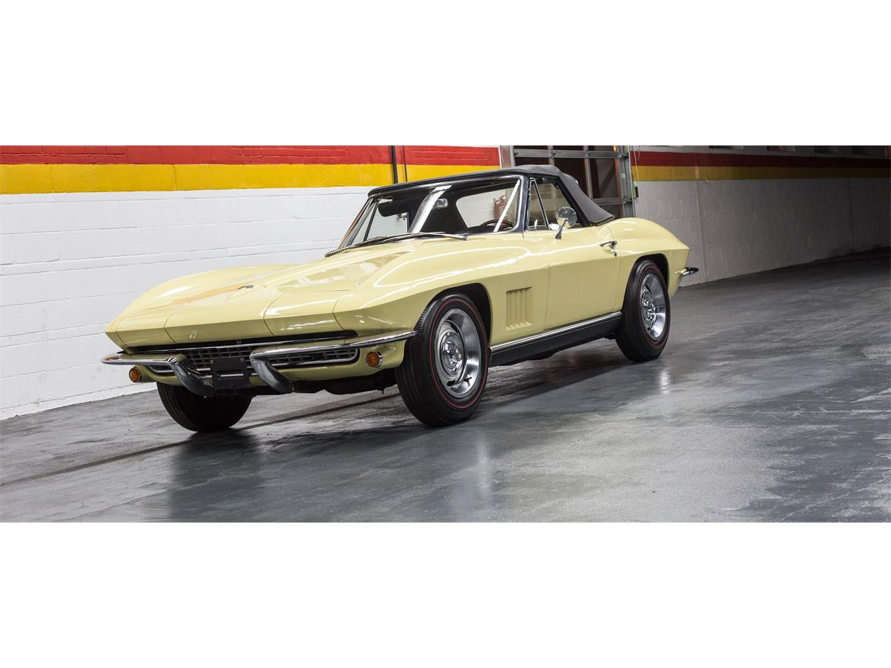 Large Picture of '67 Corvette Offered by John Scotti Classic Cars - GA0D