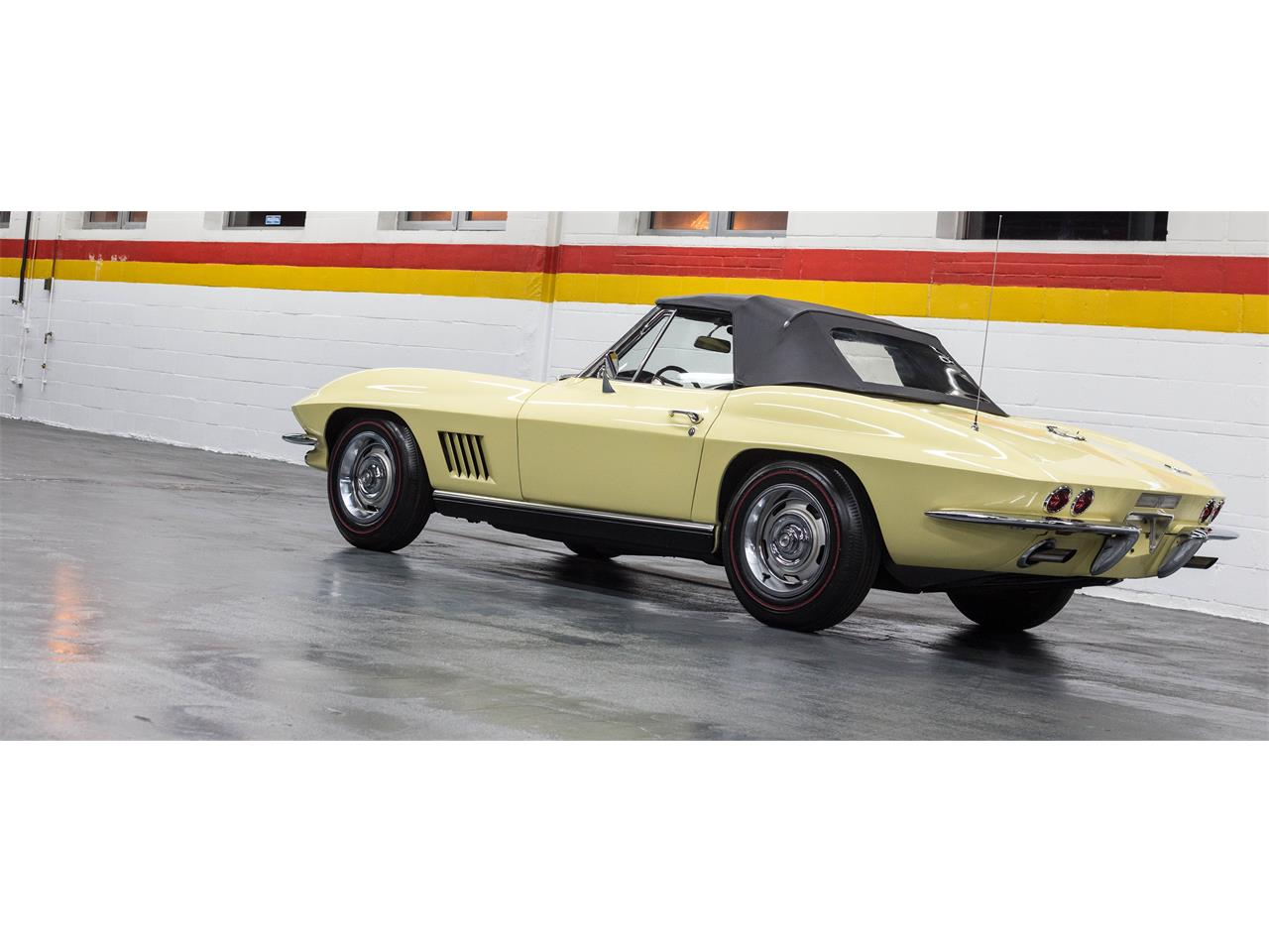 Large Picture of Classic 1967 Corvette - $79,990.00 Offered by John Scotti Classic Cars - GA0D