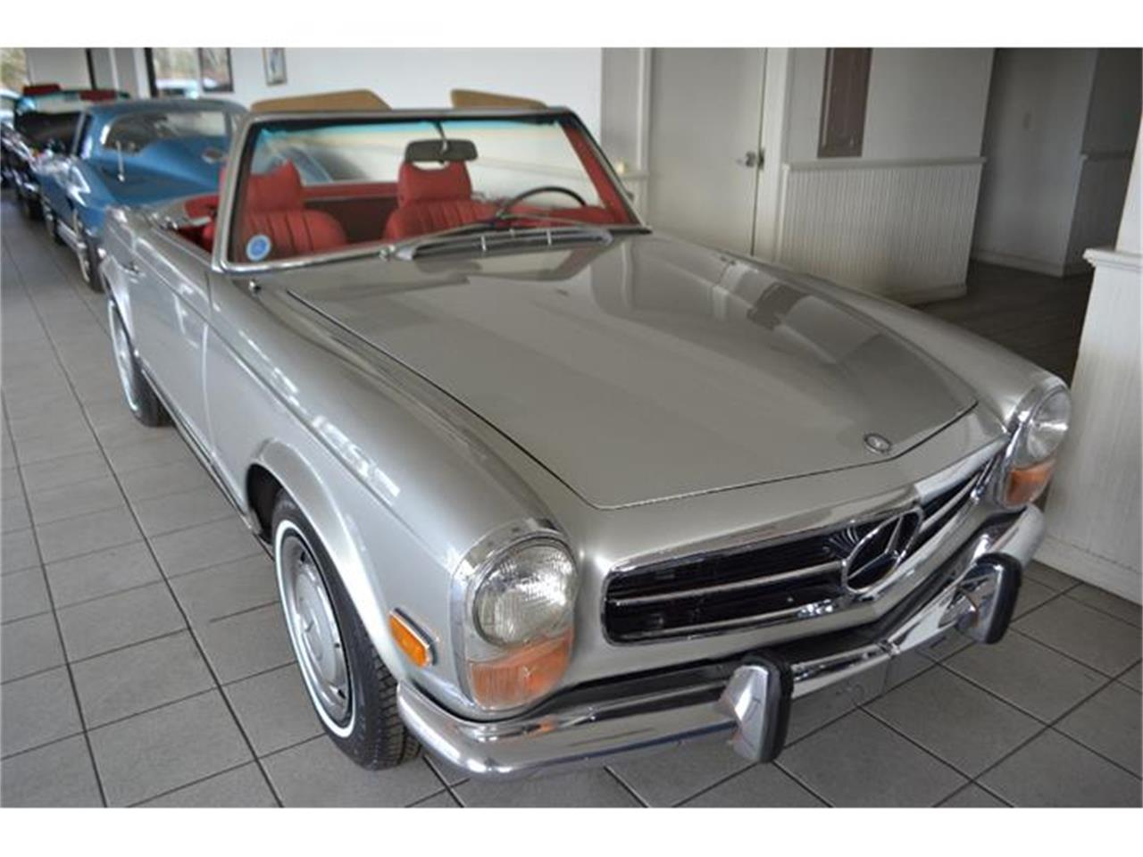 Large Picture of '70 Mercedes-Benz 280SL located in New York Offered by Aventura Motors - GBQK