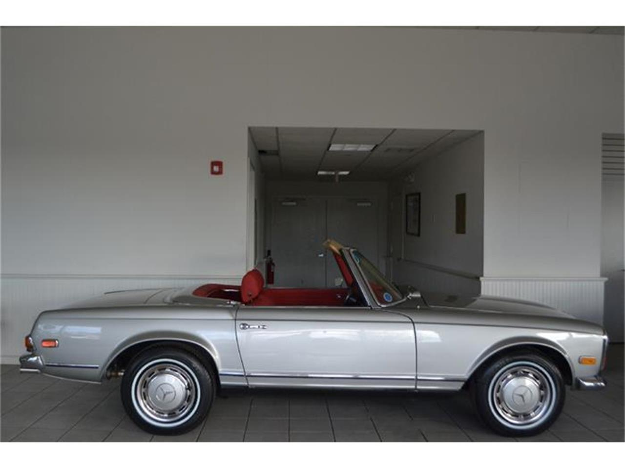 Large Picture of Classic '70 Mercedes-Benz 280SL located in New York Offered by Aventura Motors - GBQK