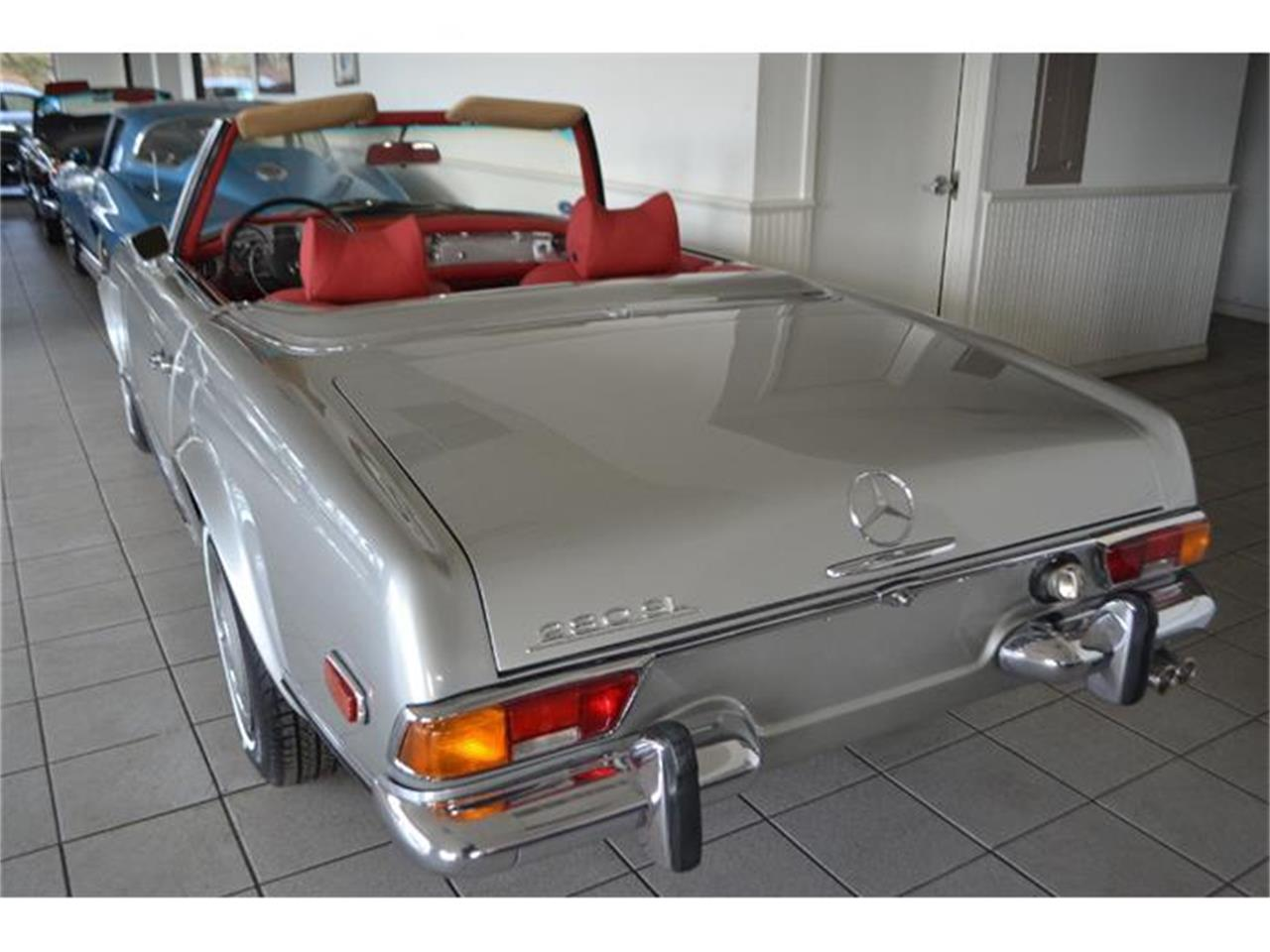 Large Picture of Classic 1970 280SL located in Southampton New York - GBQK