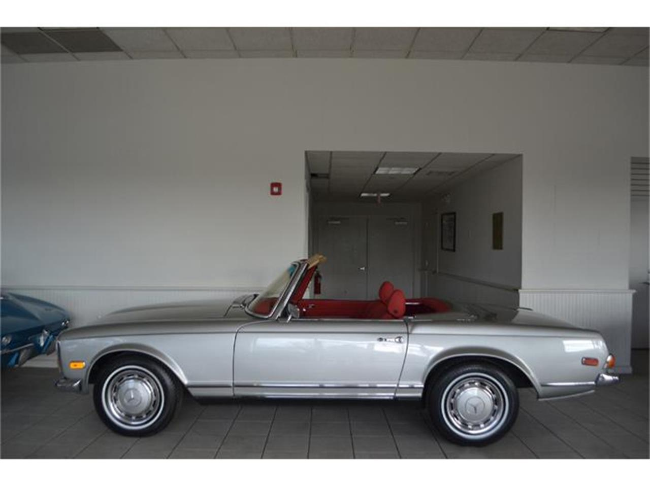 Large Picture of '70 Mercedes-Benz 280SL located in Southampton New York - $149,000.00 Offered by Aventura Motors - GBQK
