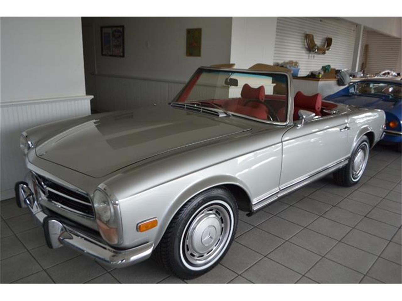 Large Picture of Classic 1970 Mercedes-Benz 280SL located in Southampton New York - GBQK