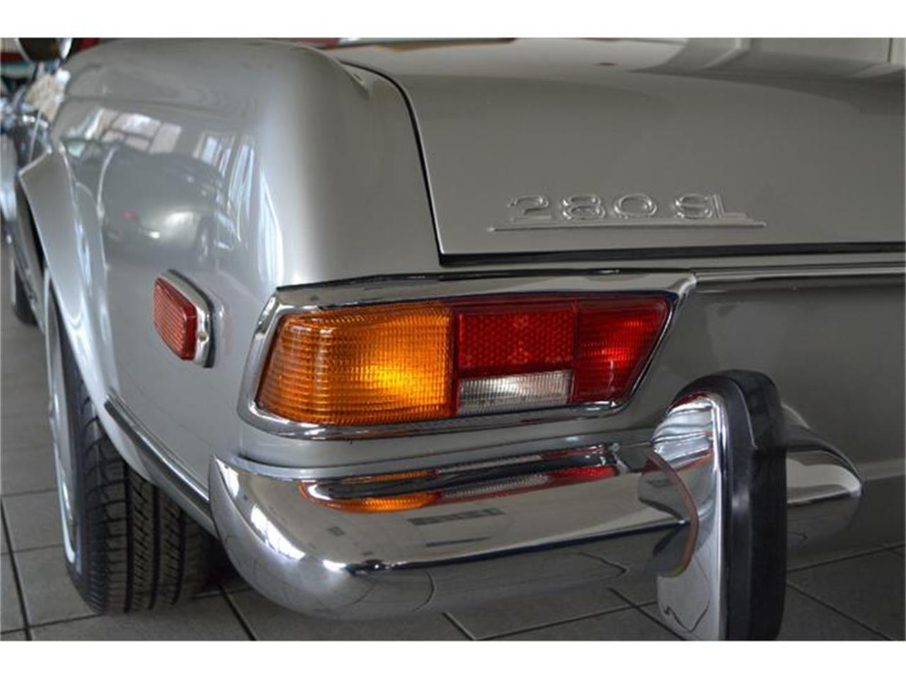 Large Picture of 1970 Mercedes-Benz 280SL located in Southampton New York - $149,000.00 Offered by Aventura Motors - GBQK
