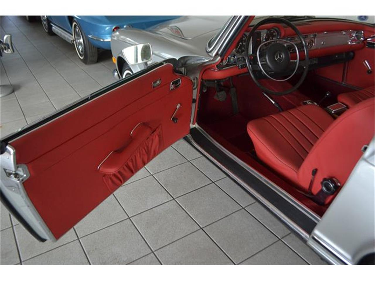 Large Picture of Classic '70 Mercedes-Benz 280SL - $149,000.00 - GBQK