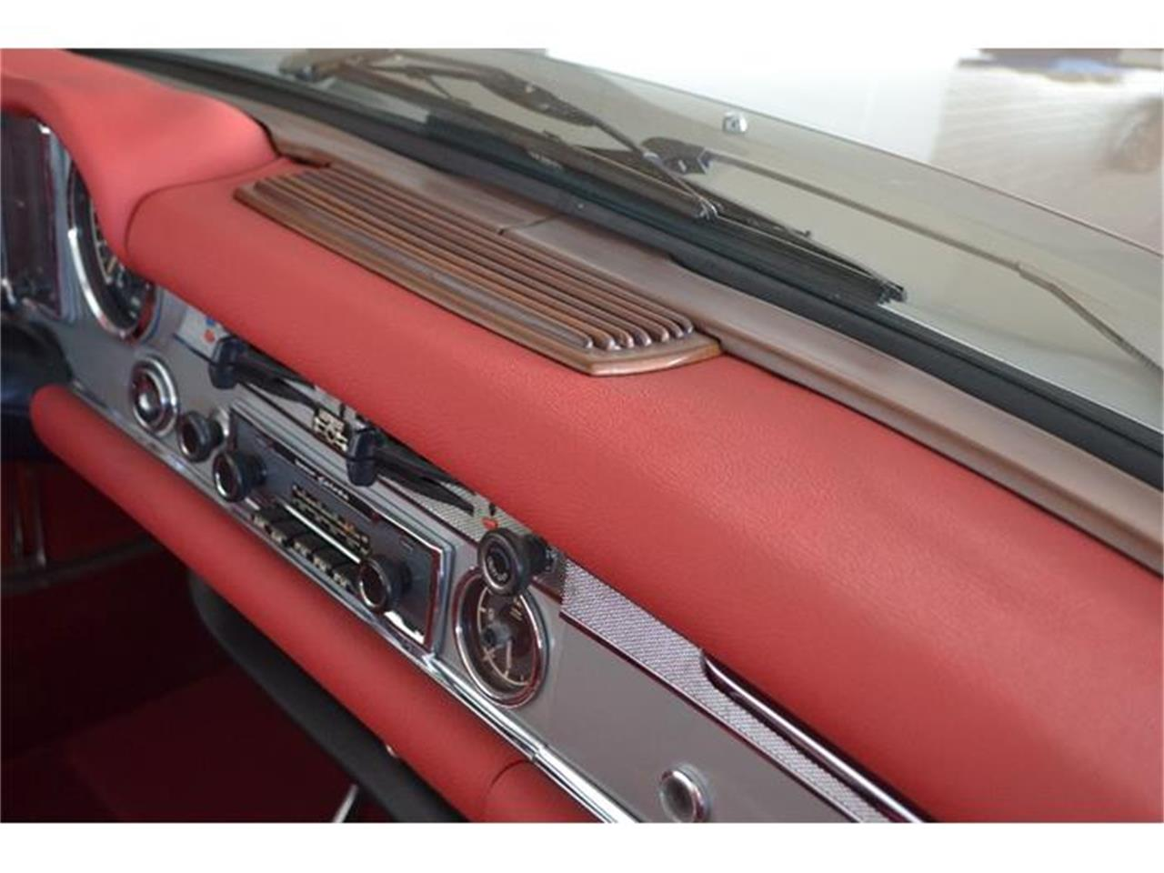 Large Picture of Classic 1970 Mercedes-Benz 280SL located in New York Offered by Aventura Motors - GBQK