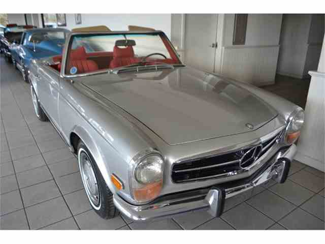 Picture of Classic '70 Mercedes-Benz 280SL located in New York Offered by Aventura Motors - GBQK