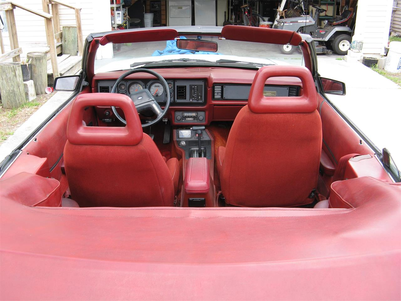 Large Picture of '84 Mustang - GCX6