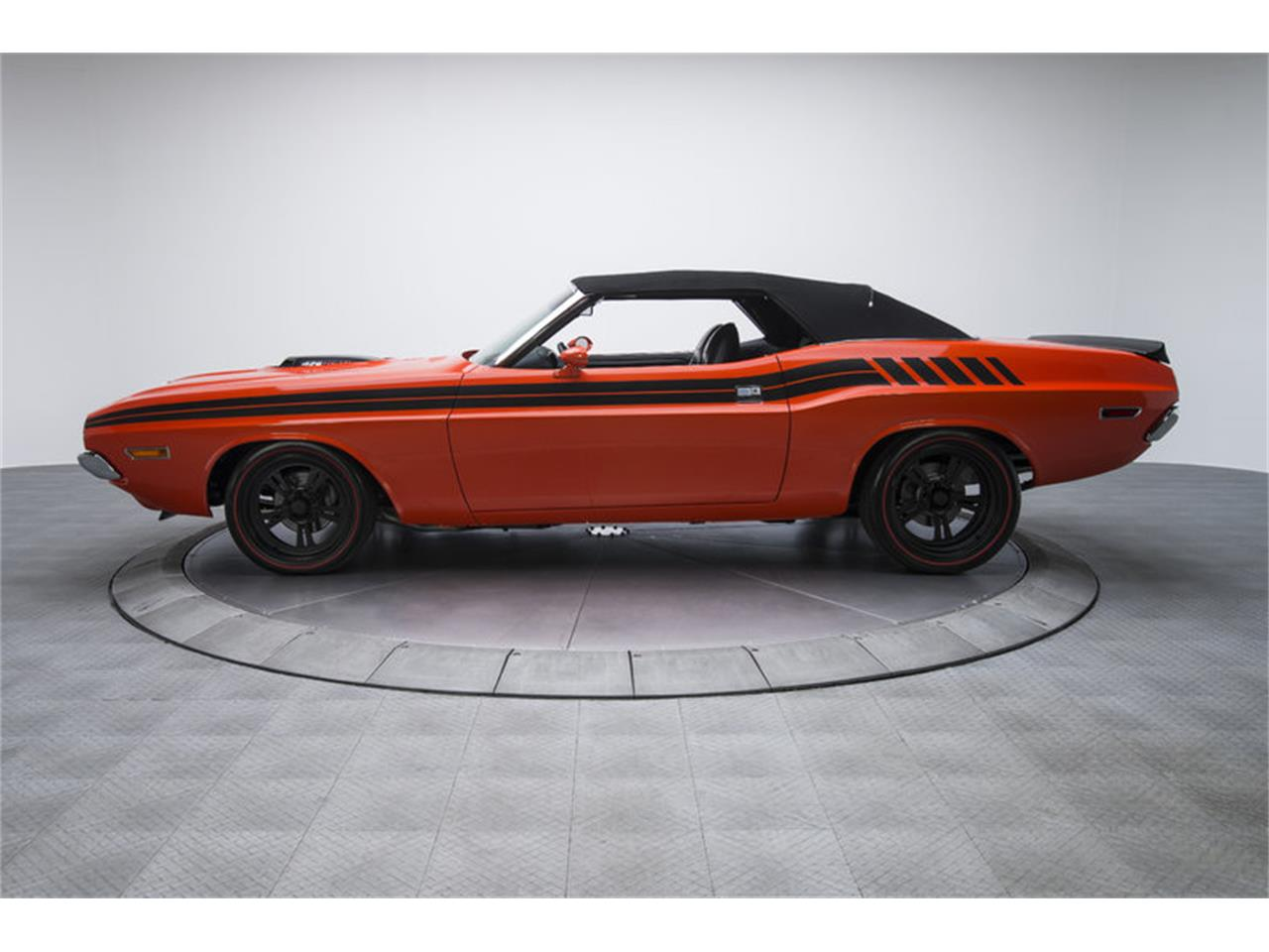 Large Picture of '70 Challenger R/T - GAOG