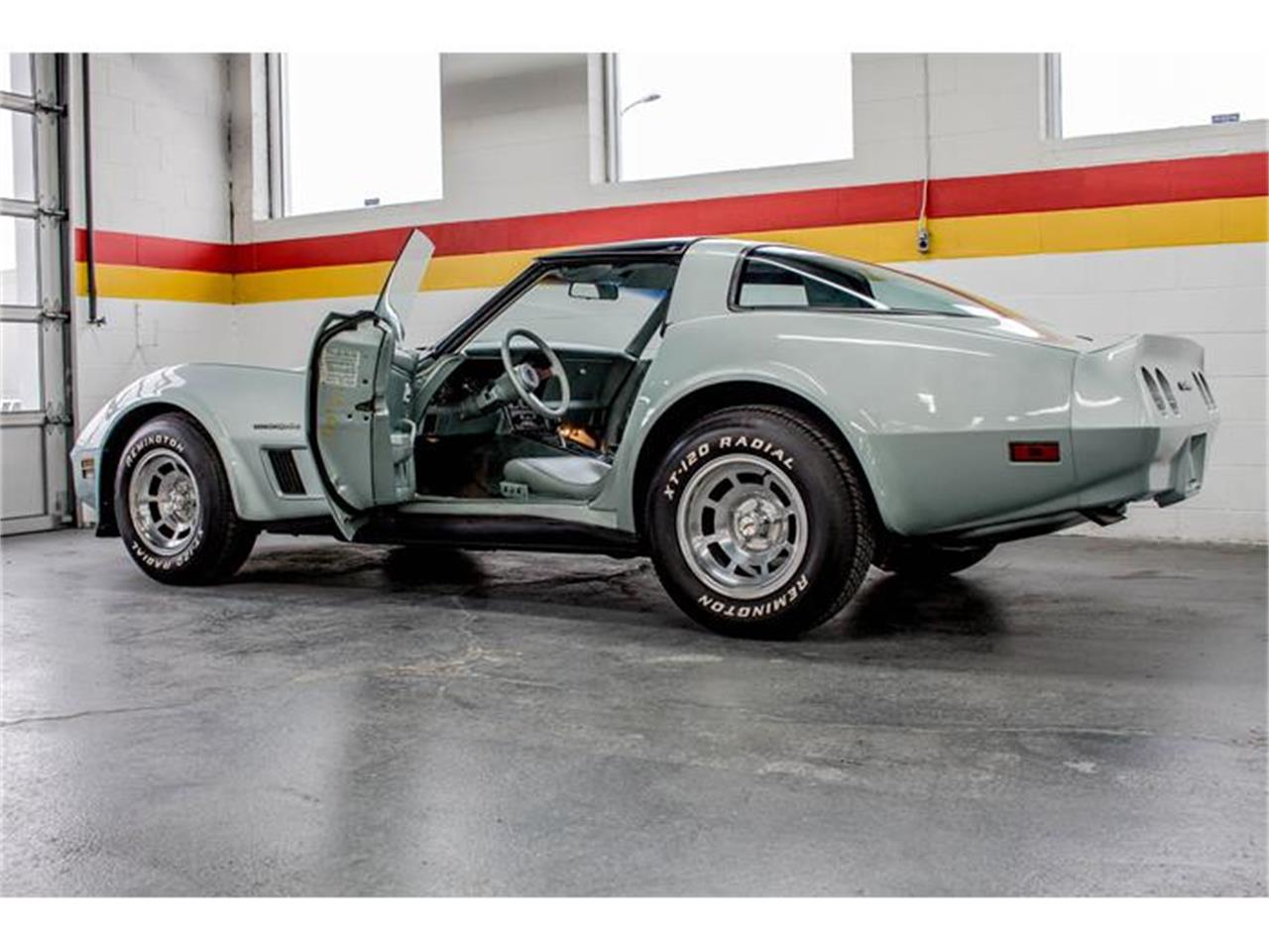 Large Picture of '82 Chevrolet Corvette located in Quebec - $24,900.00 Offered by John Scotti Classic Cars - GE2L