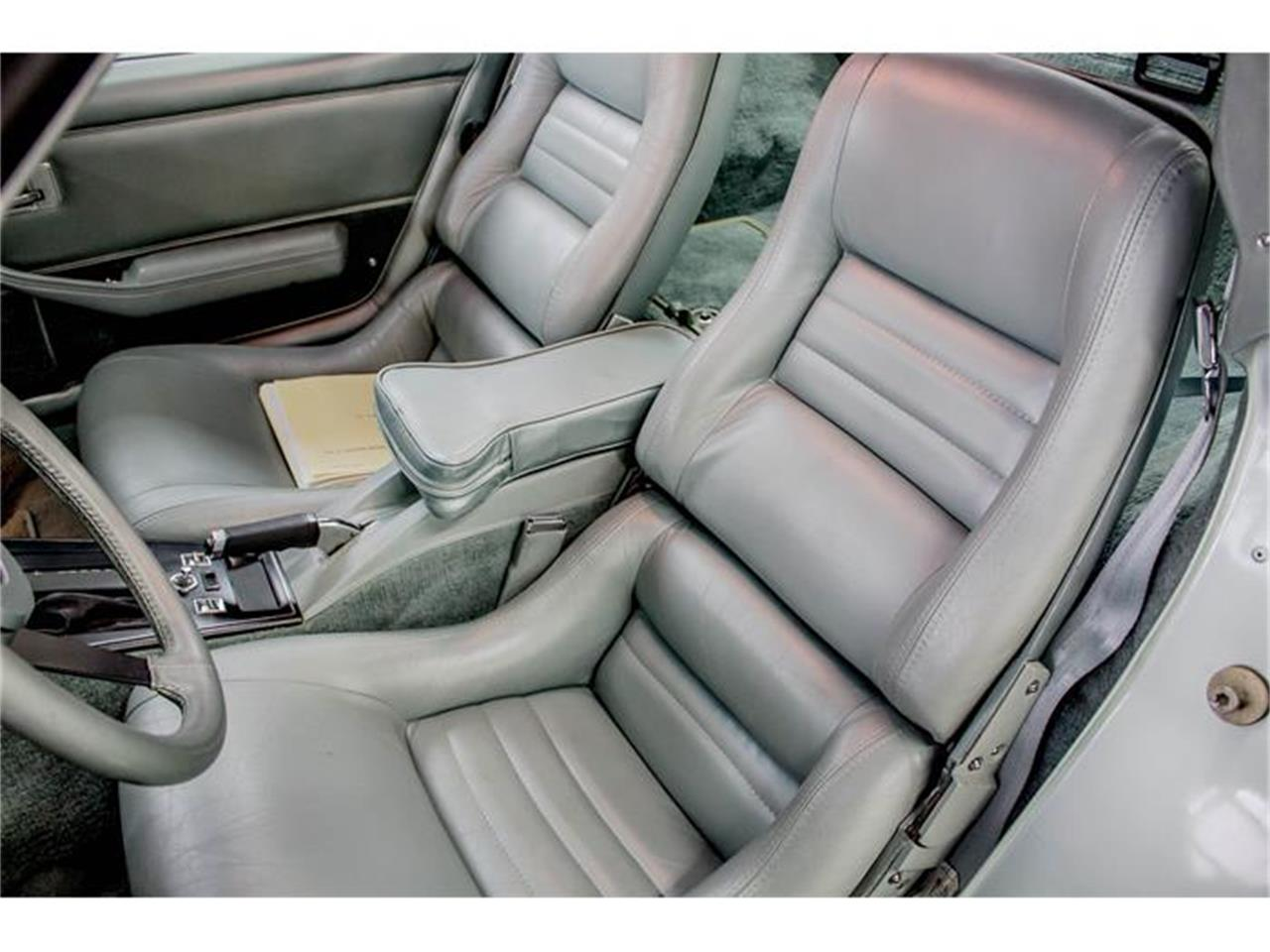 Large Picture of '82 Chevrolet Corvette located in Quebec - $24,900.00 - GE2L