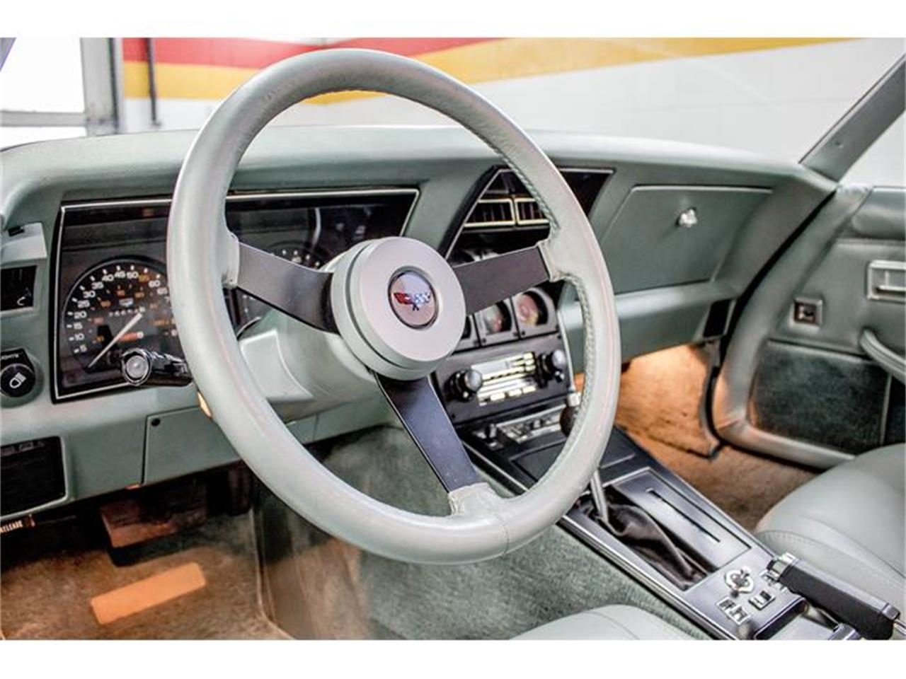 Large Picture of 1982 Chevrolet Corvette located in Quebec Offered by John Scotti Classic Cars - GE2L