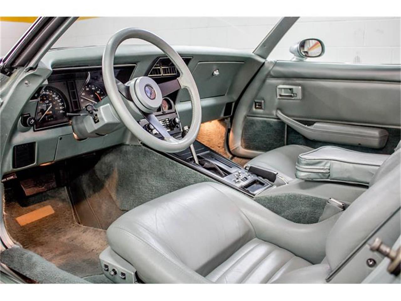 Large Picture of '82 Corvette located in Quebec - $24,900.00 - GE2L