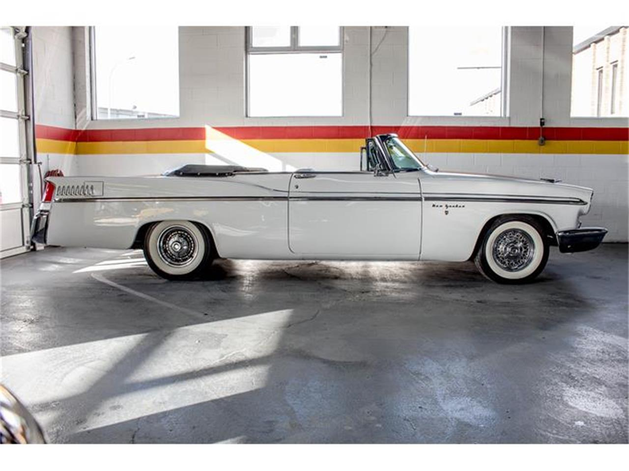 Large Picture of Classic 1956 New Yorker located in Montreal Quebec - $69,995.00 - GE3F