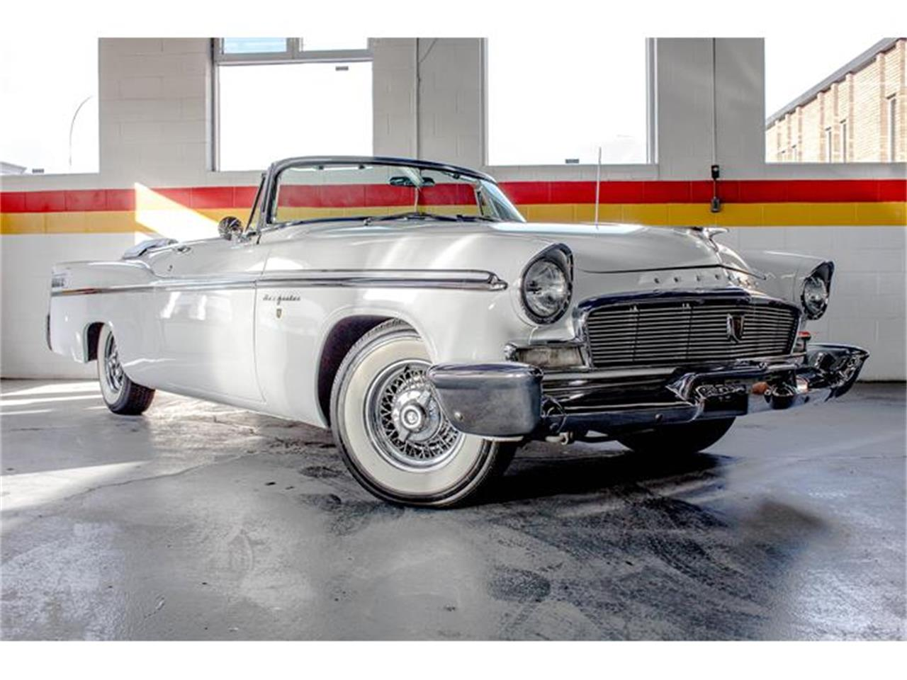 Large Picture of '56 Chrysler New Yorker Offered by John Scotti Classic Cars - GE3F