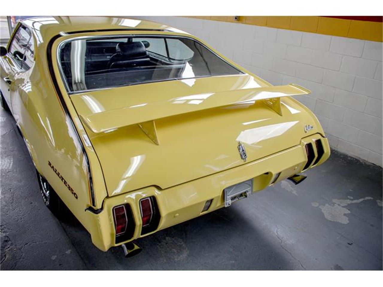 Large Picture of '70 Oldsmobile Rallye 350 located in Quebec - $31,990.00 - GE80