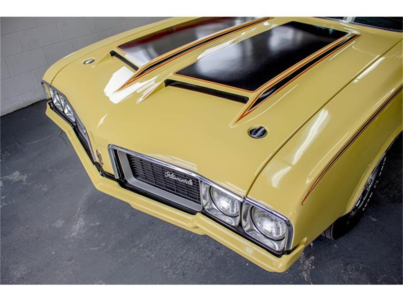 Large Picture of '70 Oldsmobile Rallye 350 located in Quebec Offered by John Scotti Classic Cars - GE80