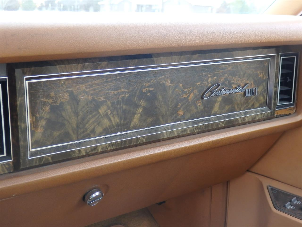 Large Picture of '78 Lincoln Continental Mark V - GFR6