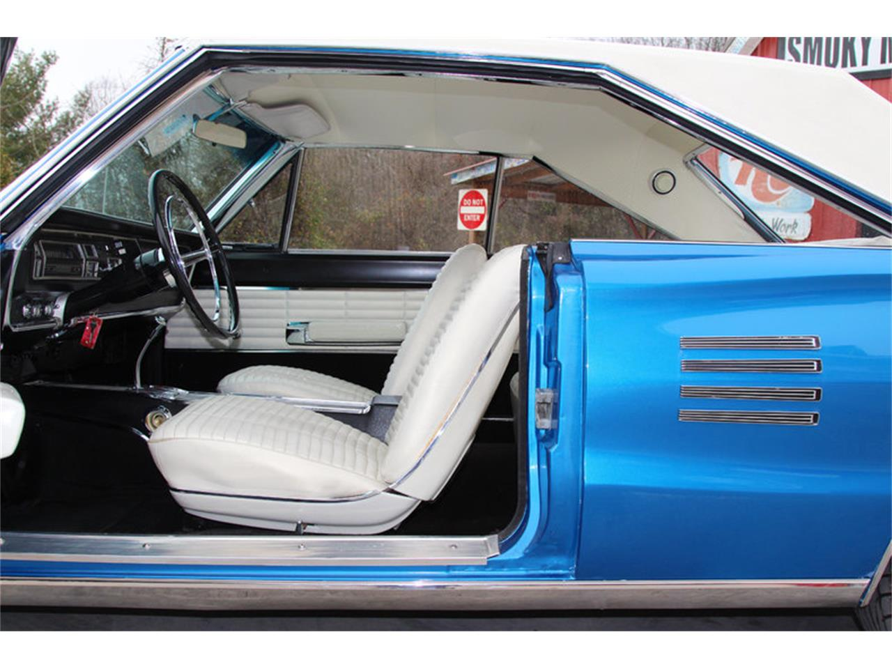 Large Picture of '66 Dodge Coronet located in Tennessee Offered by Smoky Mountain Traders - GJKP