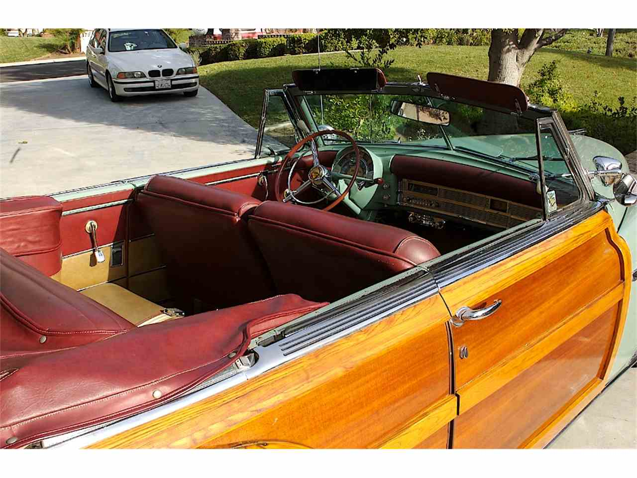 Large Picture of Classic 1949 Chrysler Town & Country - GIAH