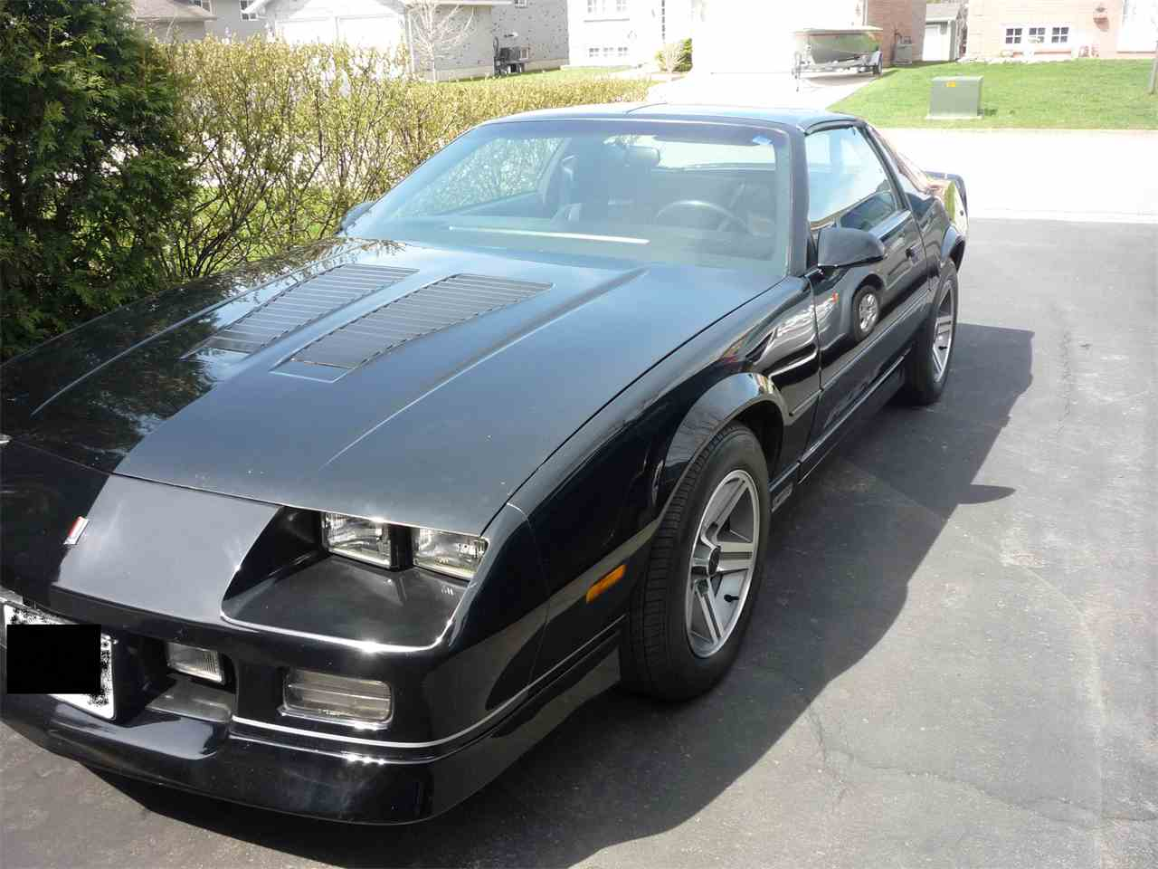 Large Picture of 1986 Chevrolet Camaro IROC-Z located in Port Colborne Ontario - $12,000.00 Offered by a Private Seller - GK6I
