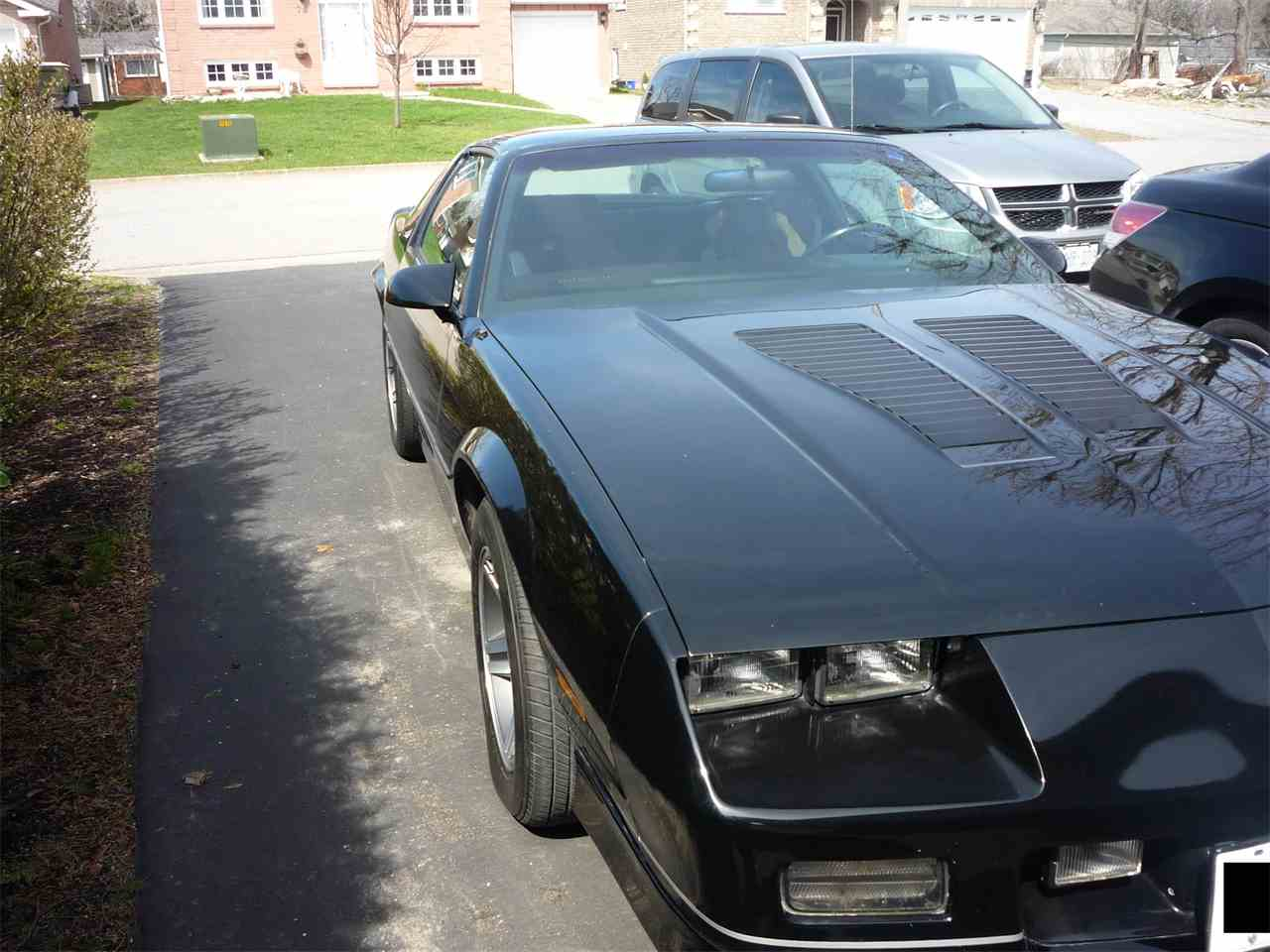 Large Picture of '86 Camaro IROC-Z located in Ontario - $12,000.00 Offered by a Private Seller - GK6I