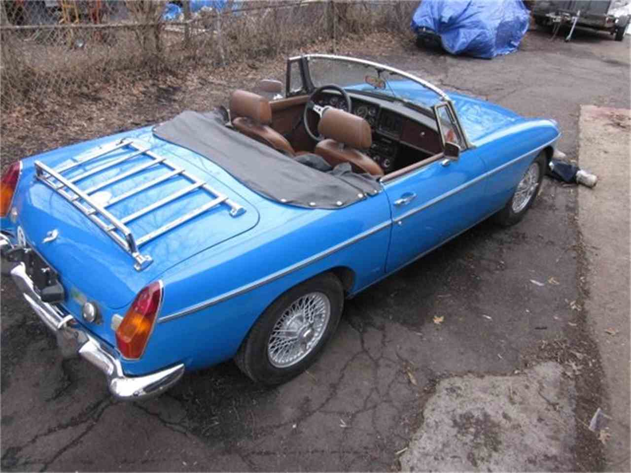 Large Picture of '77 MGB - GKYW