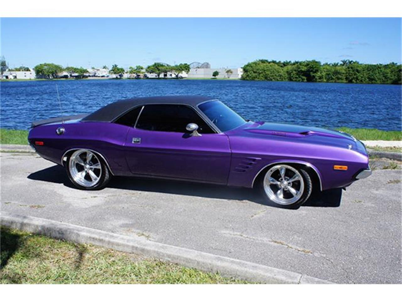 Large Picture of Classic '73 Dodge Challenger - $32,995.00 - GMT2