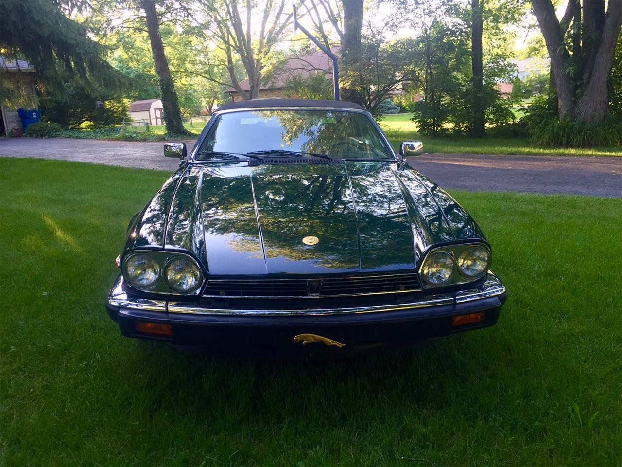 Large Picture of '91 Jaguar XJS located in Indianapolis Indiana - GNCE