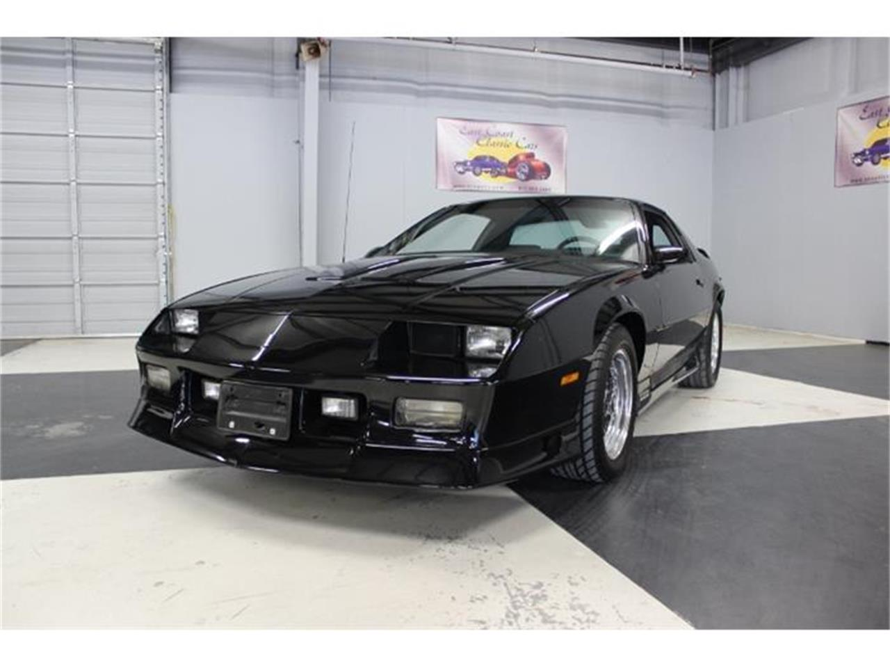 Large Picture of '91 Camaro Z28 - GPGQ