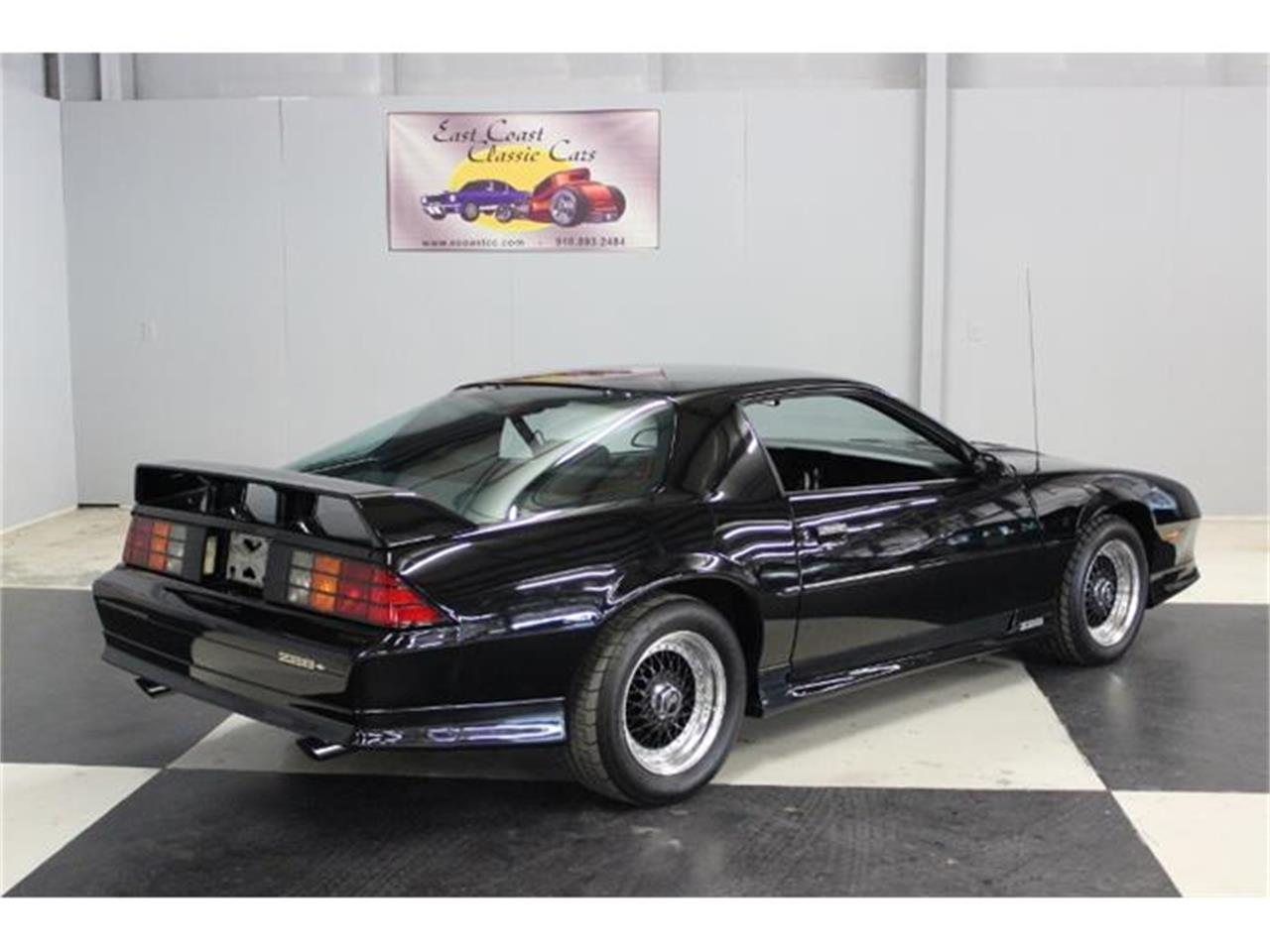 Large Picture of 1991 Chevrolet Camaro Z28 located in North Carolina - GPGQ