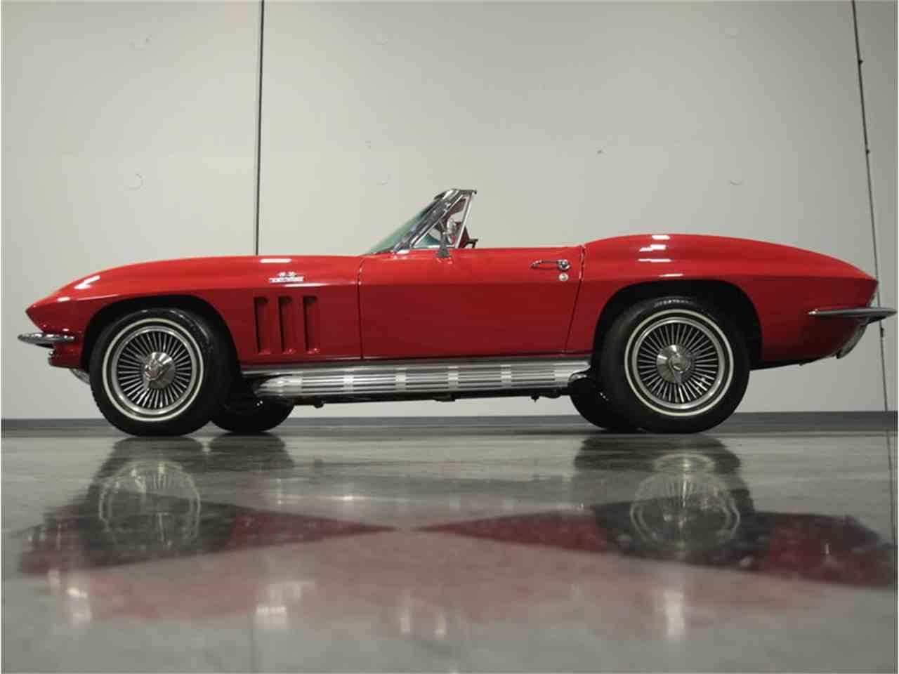 Large Picture of '66 Corvette - GR76
